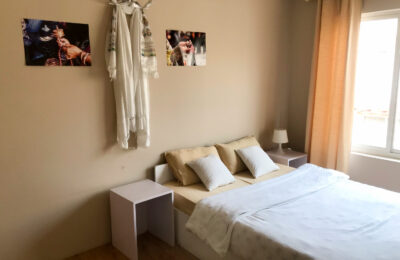Bedroom with private bathroom – Chenresig Room
